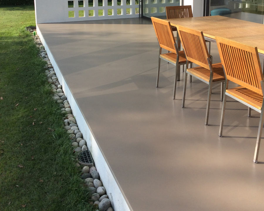 Pavimenti per esterni in legno, gomma e resina