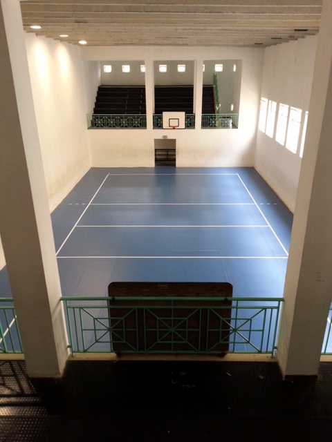 Pavimento in resina bordo piscina e pareti decorative - Pavimento in gomma per esterni ...